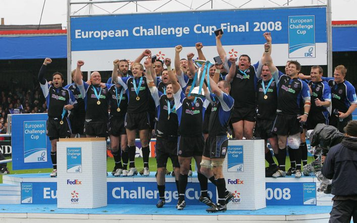 COPYRIGHT CW SPORTS PHOTO AGENCY NEW TEL 05601150396 MOBILE 07703183490 PHOTOGRAPHER CHAS WILLIAMSON  EUROPEAN CHALLENGE CUP FINAL BATH V WORCESTER 25/05/2008 BATH PLAYER STEVE BORTHWICK HOLDS THE TROPHY ALOFT